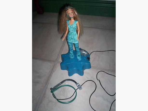 Dancing Barbie with Child Head Set