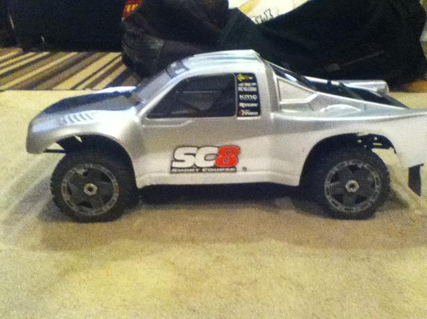 RC SC8 Team Associated short course truck