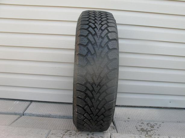 ONE (1) GOODYEAR NORDIC WINTER TIRE /205/70/15/ - $40