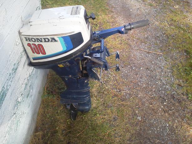 10 hp honda 4 stroke outboard Sault Ste Marie, Sault Ste Marie