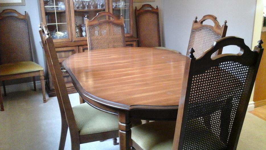 9 Piece Italian Provincial Dining Room Set South Regina