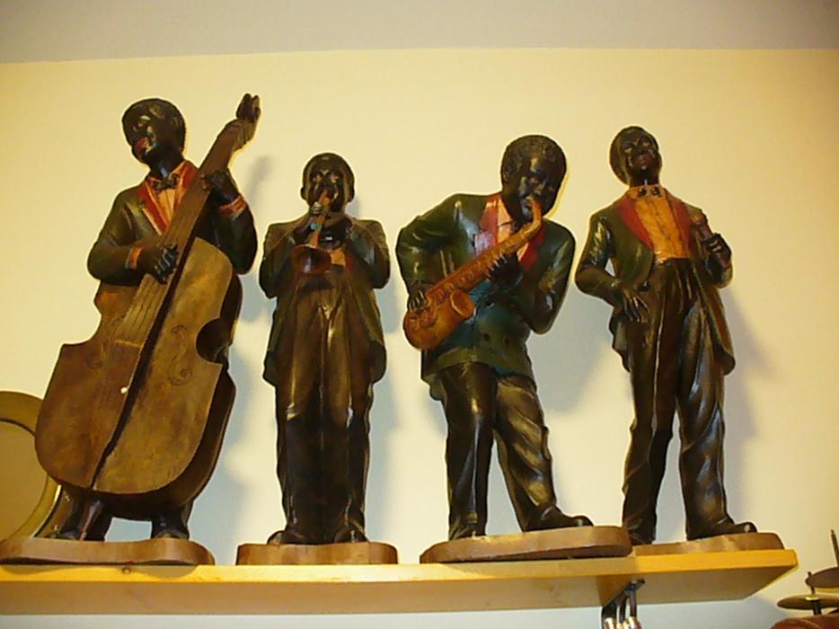 Black Americana Jazz Band Figure Figurine Detroit 1920s Duncan Outside Nanaimo Nanaimo