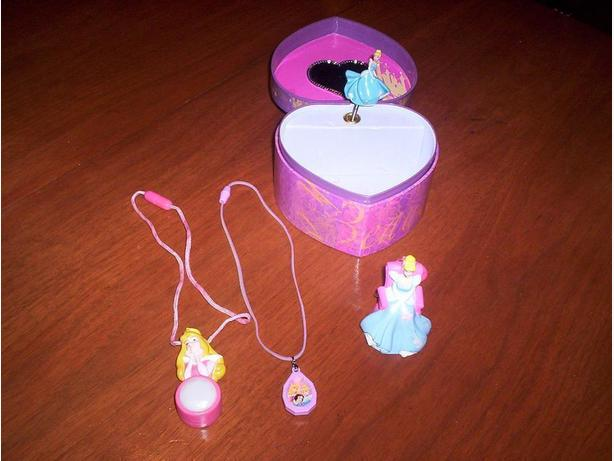 Princess Jewelry Box with 2 Necklace and Key Chain