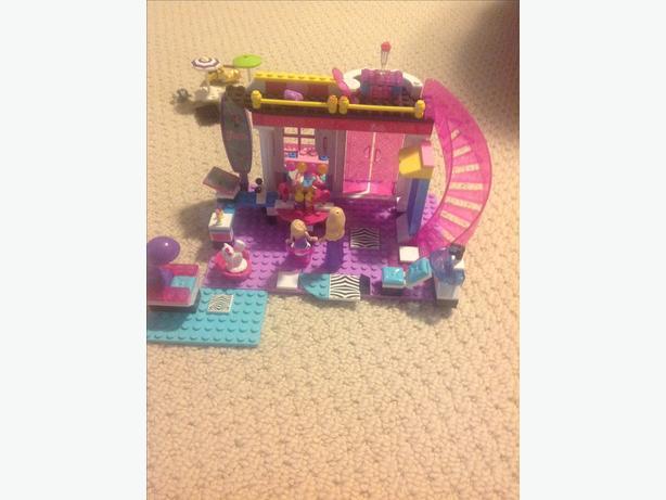 Lego Barbie Hair Salon Set