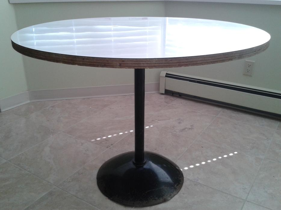 Nice kitchen 40 inch round pedestal table surrey incl white rock vancouver - White pedestal kitchen table ...