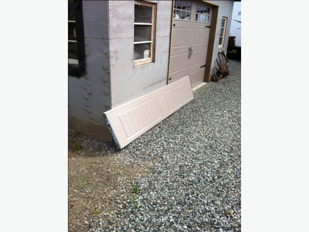 CLOPAY GARAGE DOOR PANEL