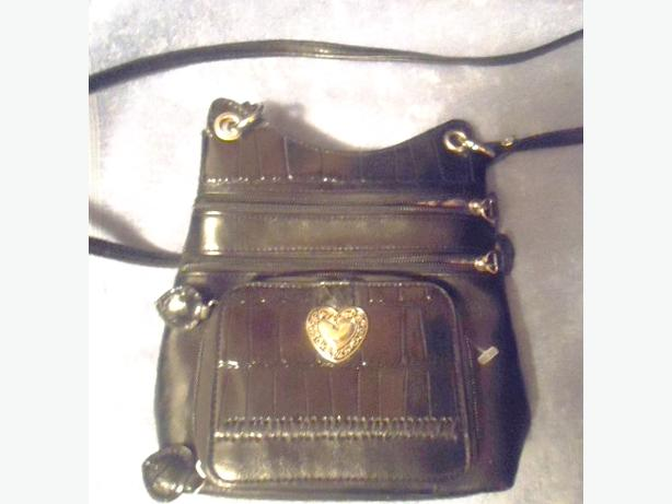 Small Black Textured Crock Leather Cross Body Purse - NEW!!!