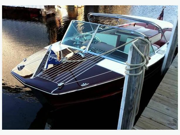 RARE 1958 Century Resorter red mahogany Ski/Speed boat