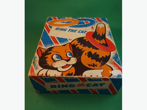 4u2c VINTAGE RING THE CAT GAME