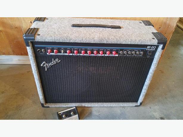 Fender M-80 chorus 2x12 guitar amp