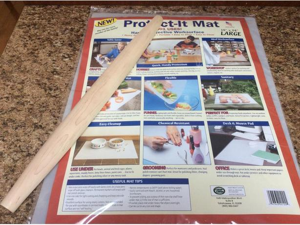 Brand New Hardwood Rolling Pin and Rolling Mat