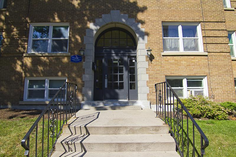 Comfort And Convenience 2 Bedroom Apartment For Rent Central Ottawa Inside Greenbelt Ottawa