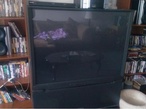 50 INCH HITACHI STEREO TV