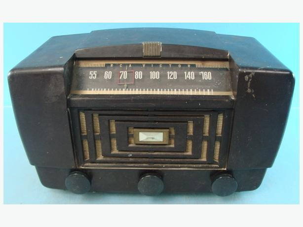 Working Antique RCA Victor 66X11 Radio Year 1947