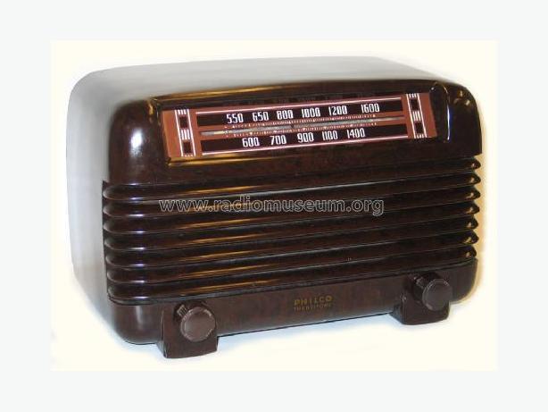 Philco PT-2 Bakelite Antique Radio 1941