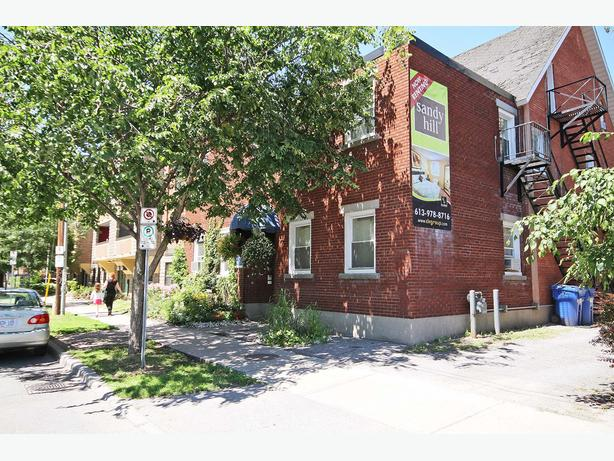 Perfect for Ottawa U Students! 1 BDRM Apt for Rent in Sandy Hill!