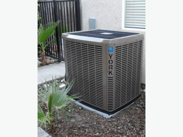 AIR CONDITIONING CONDITIONER HEAT PUMP SYSTEM REPAIRING SERVICE REPAIR