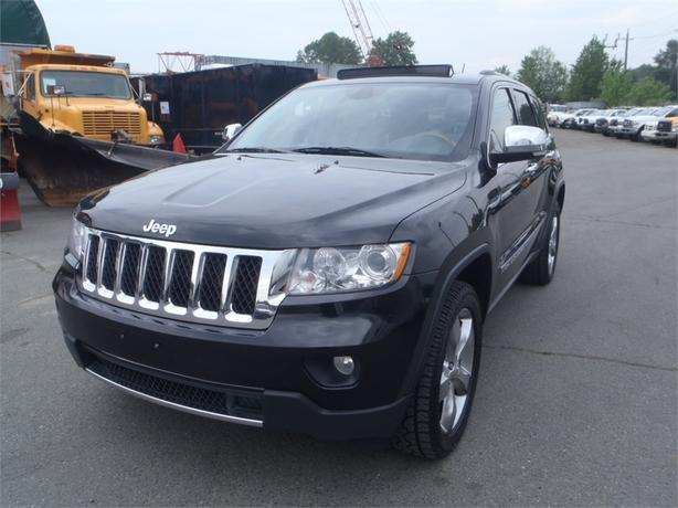 2011 jeep grand cherokee overland 4wd outside calgary area calgary. Black Bedroom Furniture Sets. Home Design Ideas
