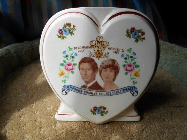 Prince Charles/Lady Diana Commemorative Royal Wedding Vase 1981 Vintage