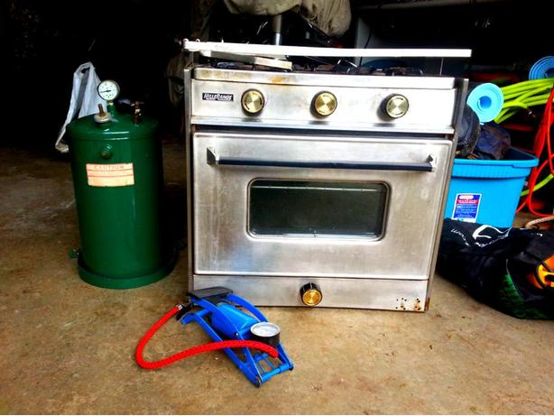 Hilllrange gimballed alchohol stove with oven