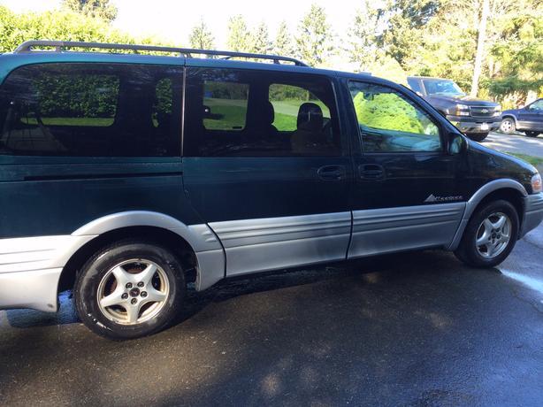 2000 Pontiac Montana 8 Passenger Minivan