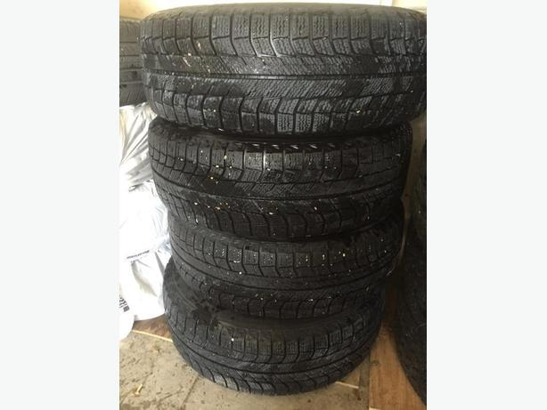 Good Condition set of 4 Winter Tires and Rims Michelin X-ice 205/65/16