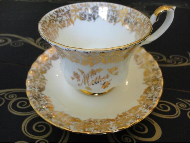 "Mother Day Gift! Royal Albert Gold ""Mother"" Tea cup and Saucer Set"