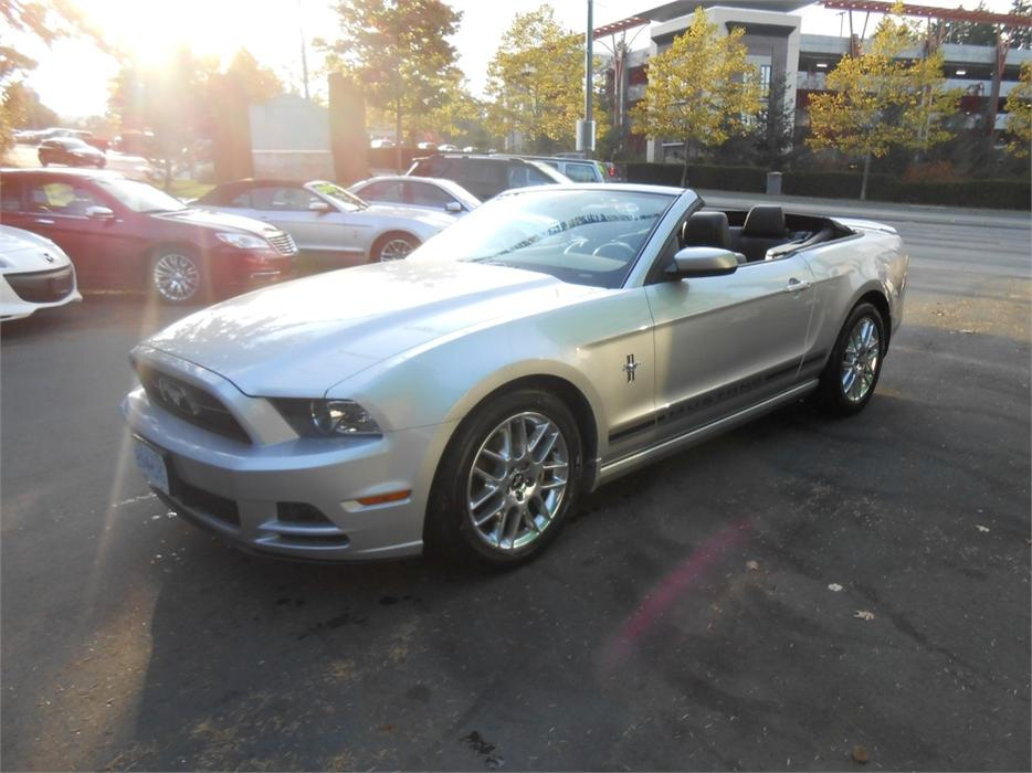 2014 ford mustang premium v6 convertible courtenay courtenay comox mobile. Black Bedroom Furniture Sets. Home Design Ideas