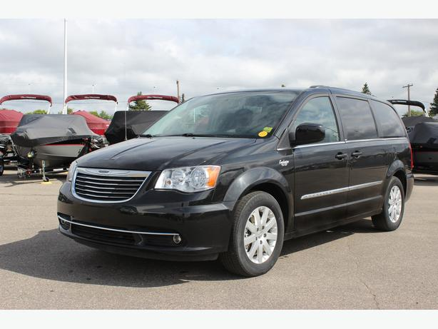 2013 Chrysler Town & Country Van w/3rd Row, Stow n' Go & More on SALE
