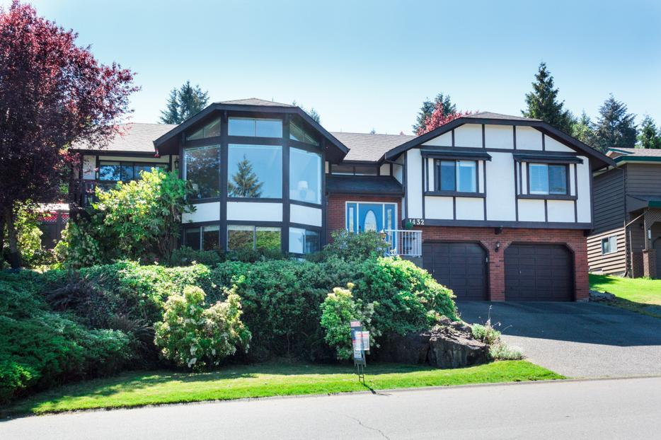 Tudor style house for sale with mountain views outside for Tudor style homes for sale