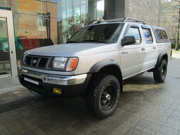 2000 nissan frontier se crew cab 4x4 on sale no accidents outside nanaimo nanaimo mobile. Black Bedroom Furniture Sets. Home Design Ideas
