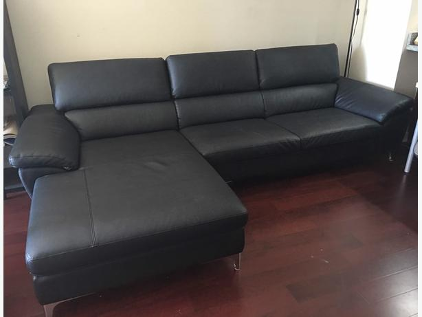 Like new leather coach sofa black richmond vancouver for Coach furniture