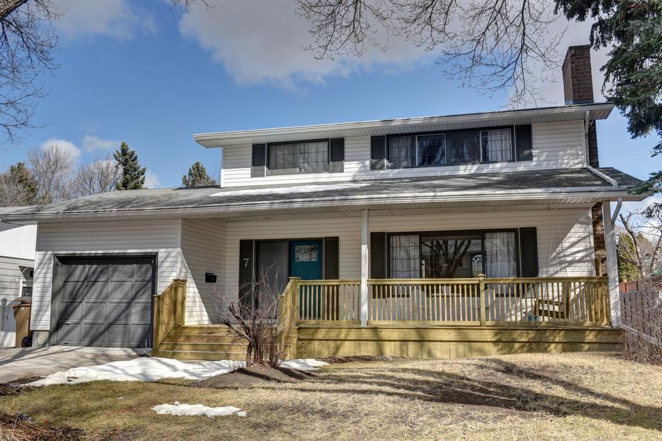 Open house 7 newton crescent saturday may 07 south for 7 summerland terrace