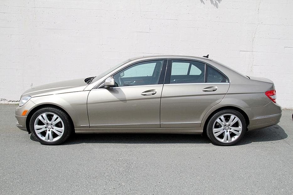 2008 mercedes benz c300 outside nanaimo nanaimo for Mercedes benz nanaimo