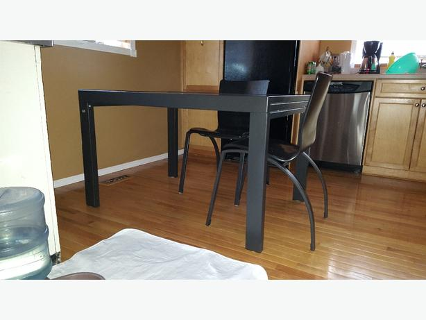 Eq dining room table and chairs north regina