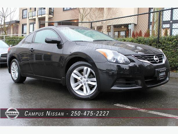2010 nissan altima coupe 2 5 s outside nanaimo parksville qualicum beach. Black Bedroom Furniture Sets. Home Design Ideas