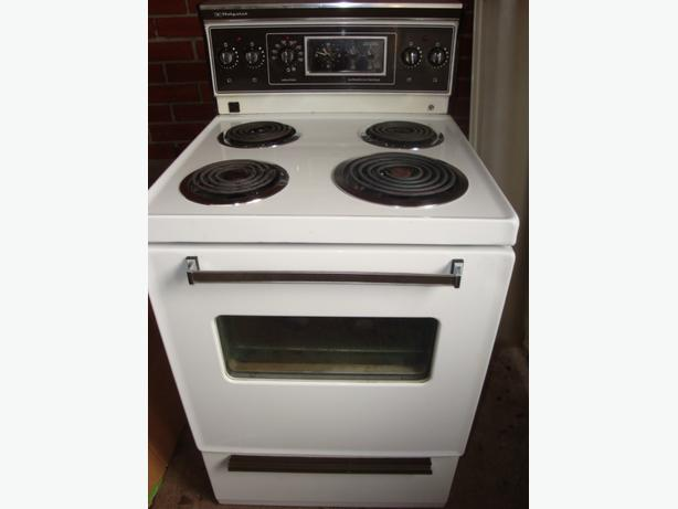 hotpoint made by ge 24 apartment size stove central