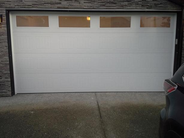 2014 double garage door 16 39 x 8 39 outside comox valley for 16 x 8 garage door