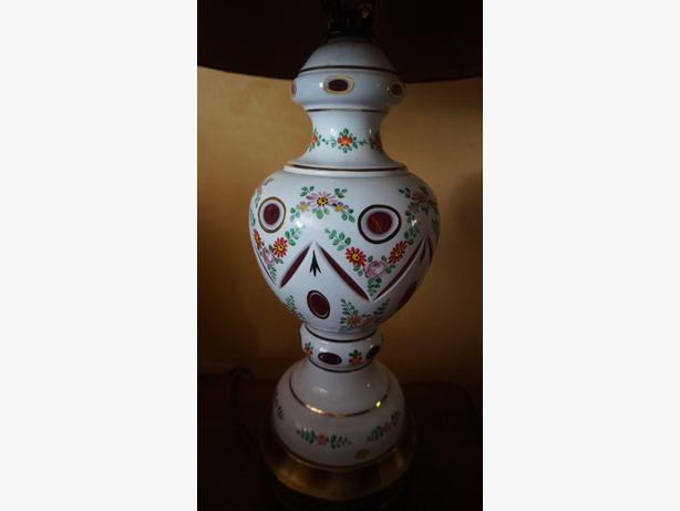 4u2c VINTAGE BOHEMIAN PORCELAIN CRANBERRY CRYSTAL LAMP