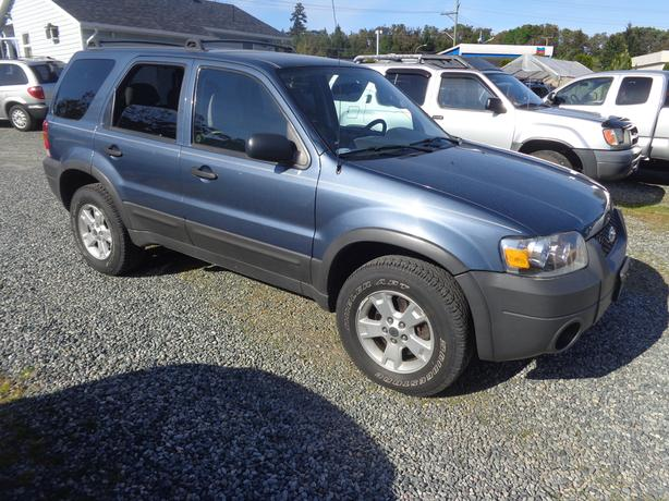 2005 ford escape xlt 4wd - 163 kms