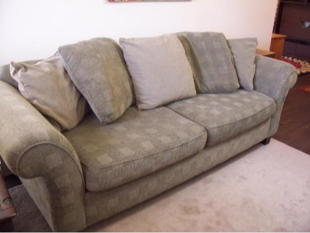 Super comfy large green bauhaus sofa for sale delivery for Comfy sofas for sale