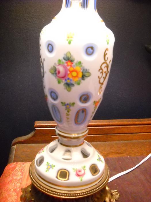 Salt Lamps Kitchener : 4U2C, VINTAGE BOHEMIUM CRYSTAL WITH PORCELAIN OVERLAY LAMP Gloucester, Gatineau