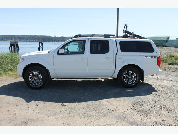 2015 Nissan Frontier Crew Cab With Matching Canopy Like
