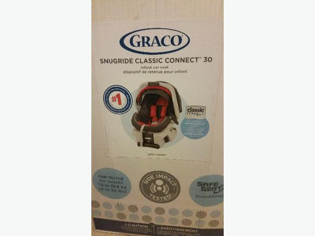 Graco Snugride Classic Connect  Car Seat Lotus