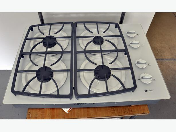Maytag natural gas counter top cooktop
