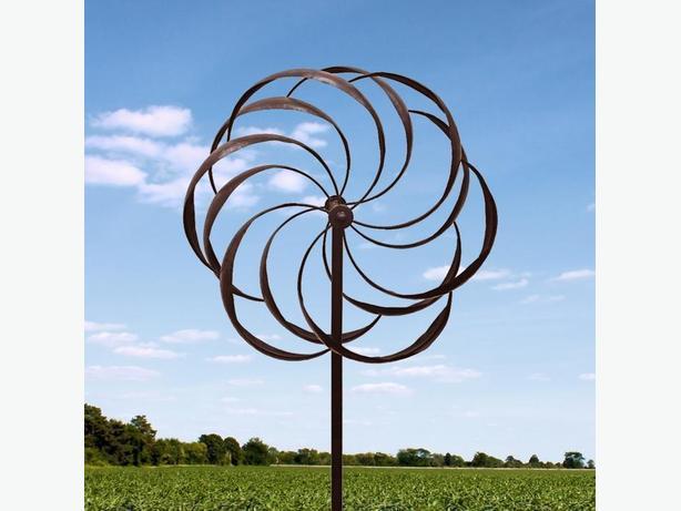 Pinwheel Metal Windmill Yard Ornament Brand New