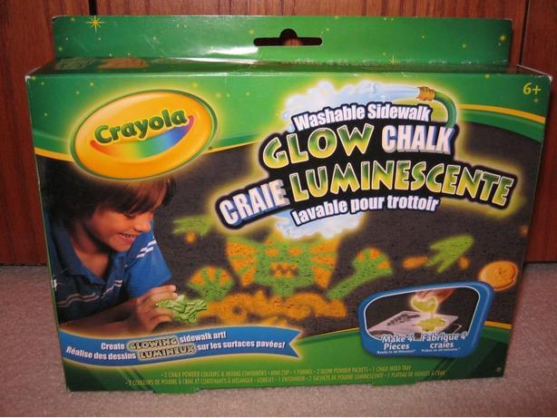Crayola washable sidewalk glow chalk