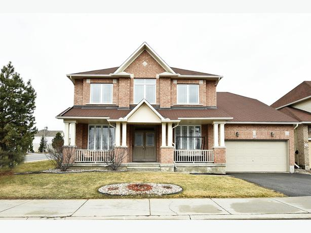 IMMACULATELY UPGRADED 6 BED, 4 BATH CORNER HOME IN CHAPMAN MILLS!