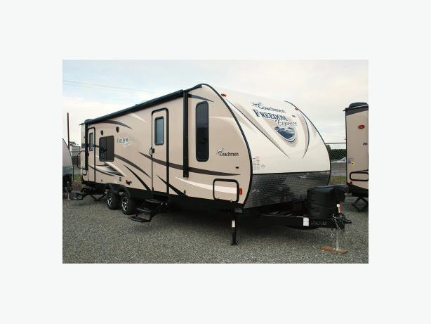 2016 Coachmen Freedom Express 276 RKDS travel trailer