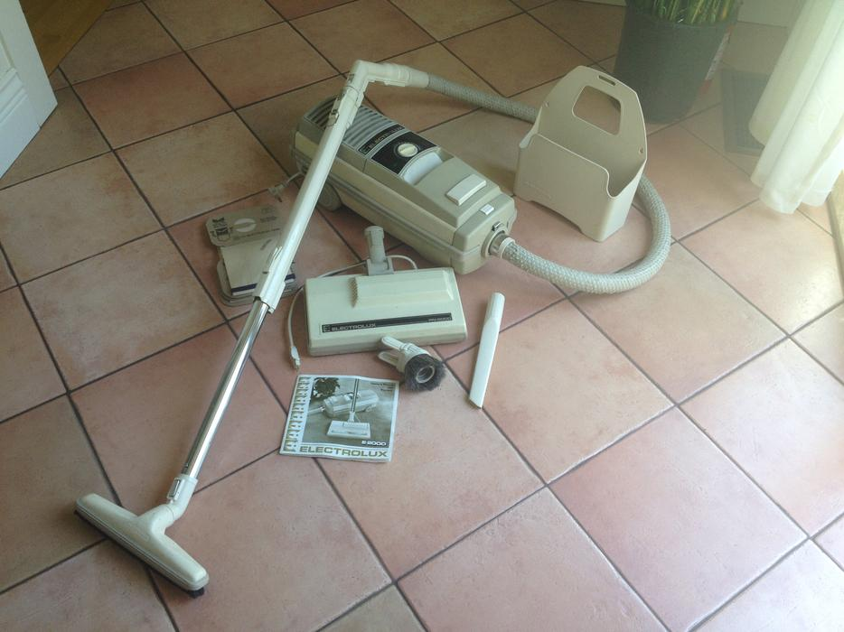 Electrolux E2000 Canister Vacuum Cleaner Victoria City
